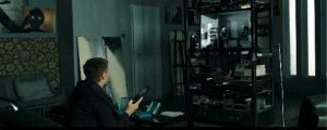 LOOP 時に囚われた男のビデオを再生するシーン